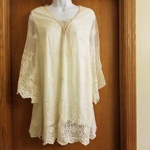 a'reve Cream Boho Embroidered Tunic Shirt M